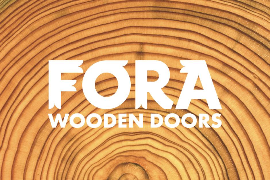 Création graphique et production de catalogue avec l'identité visuelle développée par Zen Studio pour fabricant de portes en bois.