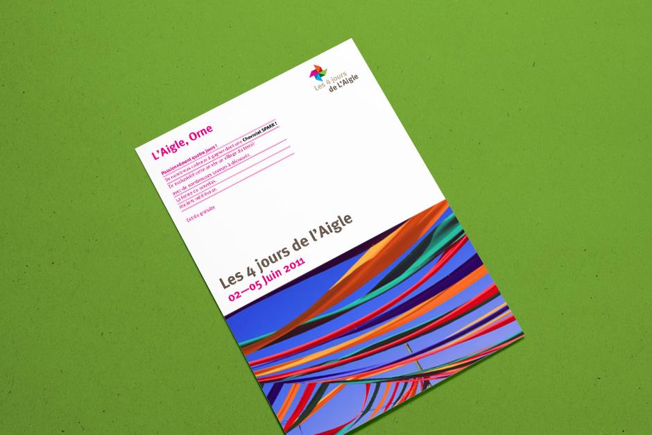 Flyer zur Ankündigung eines jährlichen Festivals